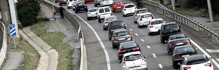 Lluvia y cuatro accidentes: mañana complicada para el tráfico