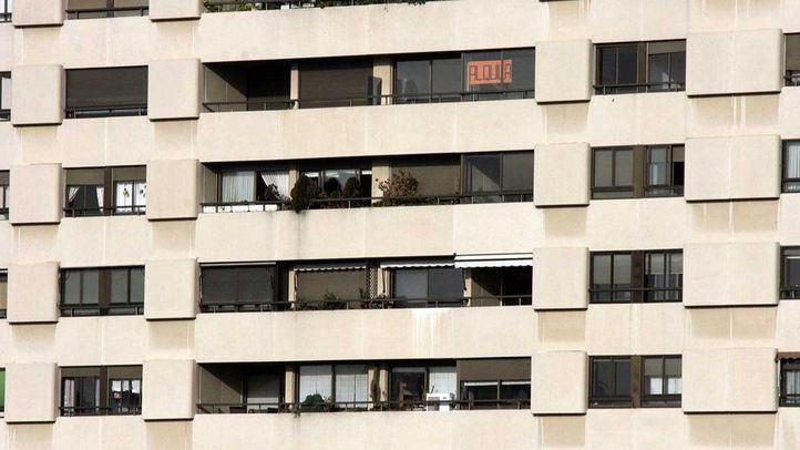 PSOE y Ahora Madrid pidieron en el último Pleno al Estado competencias para poder frenar la subida del precio de los alquileres en la ciudad.
