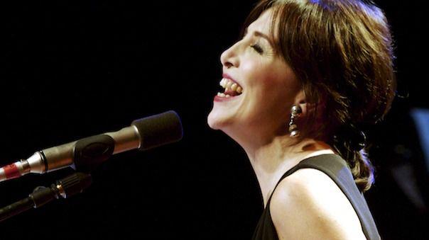 Canto al Sur es el séptimo disco de María Lavalle y lo presentará en un concierto en el teatro La Abadía, el día 23 de octubre.