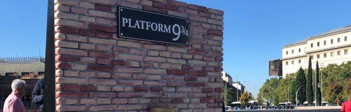 Figuras y escenarios icónicas del universo Harry Potter en Madrid.