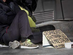 Desempleado en situación de pobreza.