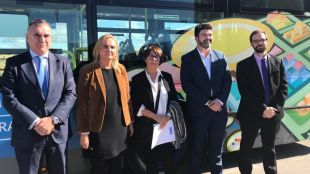 """El Cañaveral estrena bus: """"Queremos ser un barrio normal"""""""