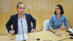 Rita Maestre y José Manuel Calvo, en una rueda de prensa en Cibeles.