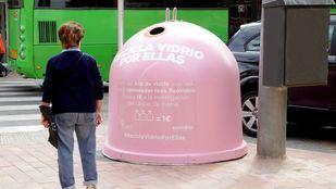 Alcobendas se suma a reciclar vidrio contra el cáncer de mama.