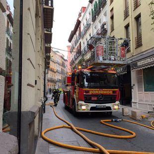 El incendio de un restaurante en Chueca provoca una gran humareda