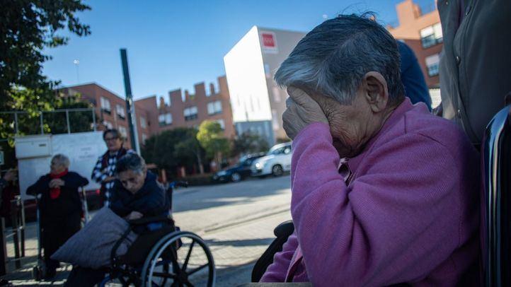 Protesta de los usuarios de la residencia de mayores y centro de día 'Los Frailes' en Leganés.