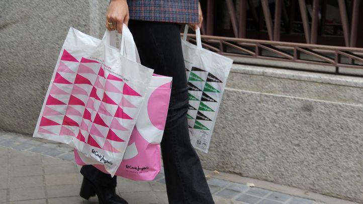 El Corte Inglés tiñe su logo de rosa en apoyo al Día Mundial contra el Cáncer de Mama