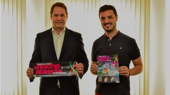 El alcalde y concejal de Festejos y Juventud de Torrejón presentan 'La noche abierta'.