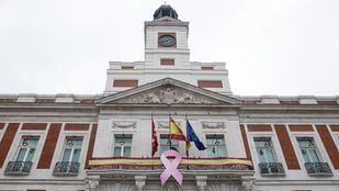 Madrid se tiñe de rosa para luchar contra el cáncer de mama