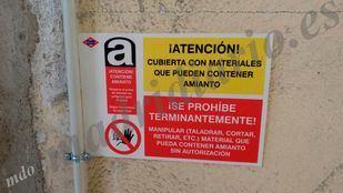 Cartel puesto por Metro en un cuarto de la estación de Canillejas.