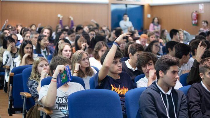 Unos 200 alumnos de los colegios Casvi de Tres Cantos, Montfort, San Pedro y el propio Corazón Inmaculado han asistido como público