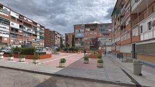 Plaza en la calle Valmojado, en Latina, que pasa a denominarse plaza de Florencio Sánchez Ropero.