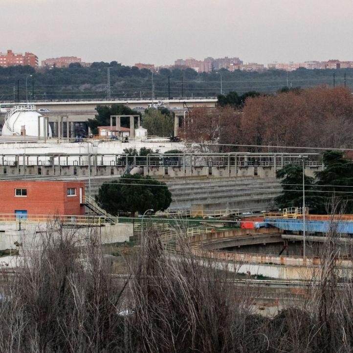 San Fermín recoge firmas para cerrar la depuradora de La China