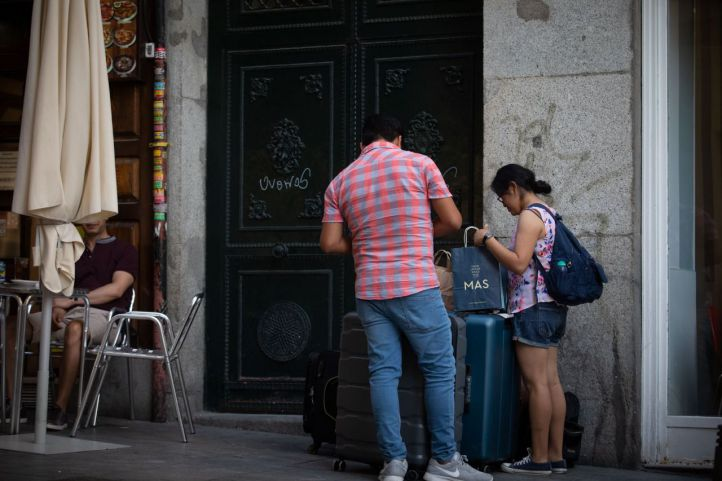 Madrid 'emancipa' a 5.000 jóvenes: dará ayudas al alquiler de hasta 200 euros