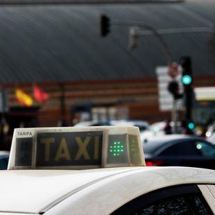 Los taxis refuerzan su servicio