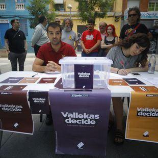 Vicálvaro, Móstoles y la Autónoma: oleada de referéndums sobre monarquía o república