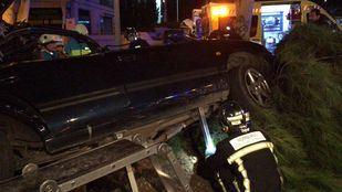 Fallece una persona y otra resulta herida tras colisionar contra un árbol en Navalcarnero