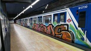 Tren pintado en Marqués de Vadillo.