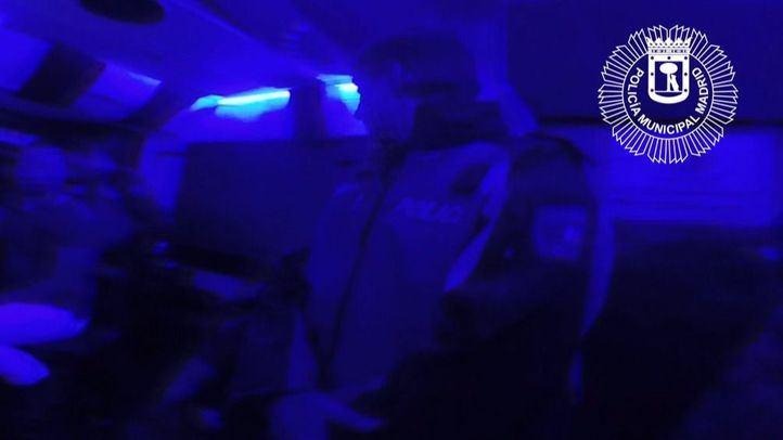 La policía desalojó en Halloween dos discotecas por duplicar el aforo