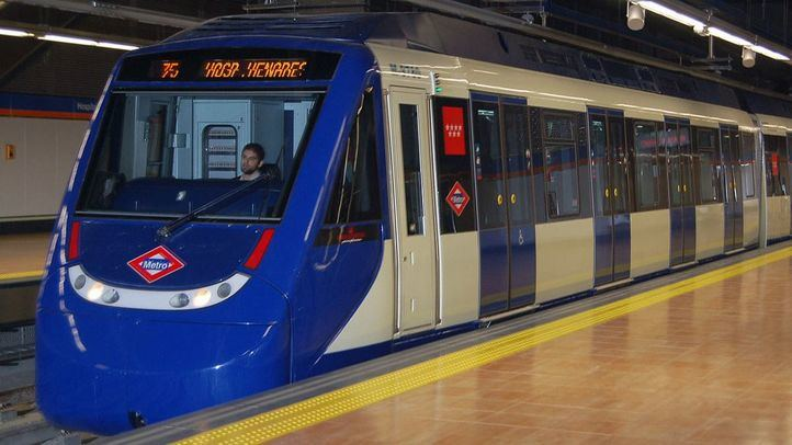 La Línea 7 de Metro, nueva víctima de los grafiteros