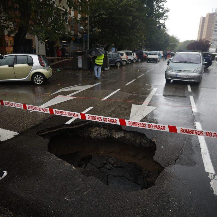 Cortadas varias calles en La Elipa por el segundo socavón