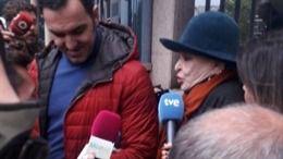 Aplazado el juicio a Lucía Bosé al aceptarse la testifical de su hijo
