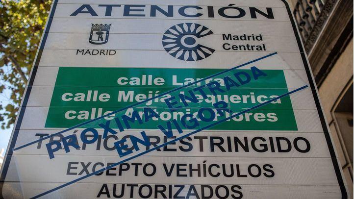 Cartel que anuncia una de las delimitaciones de Madrid Central.