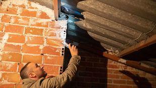 La asociación de vecinos de San Pascual denuncia que no pueden acceder a las subvenciones municipales para cambiar los tejados de amianto.