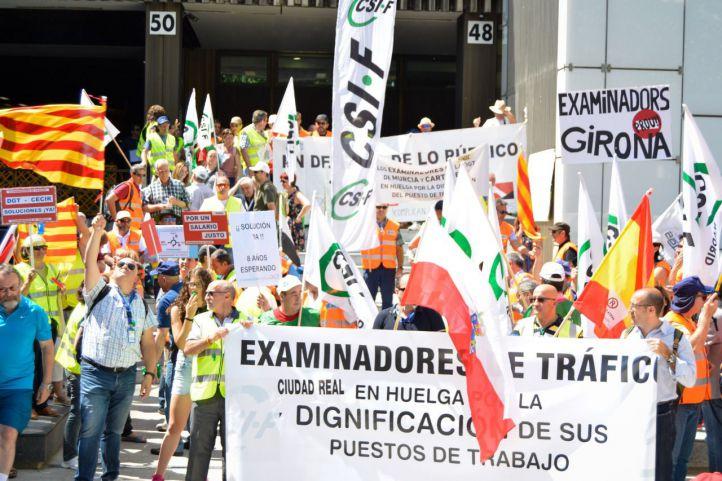 Los examinadores de tráfico amenazan con otra huelga