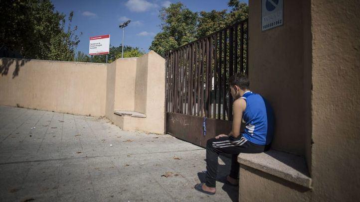 Afueras del Centro de Primera Acogida de Menores de Hortaleza.