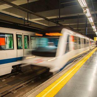 Metro y sindicatos se reúnen para abordar los 'asaltos grafiteros'
