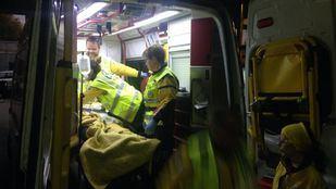 Los servicios de emergencias han trasladado al herido al Hospital La Paz.