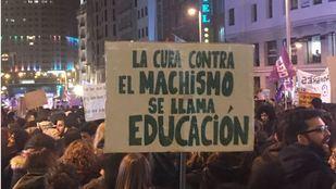 Manifestación histórica en la Gran Vía en busca de la igualdad.