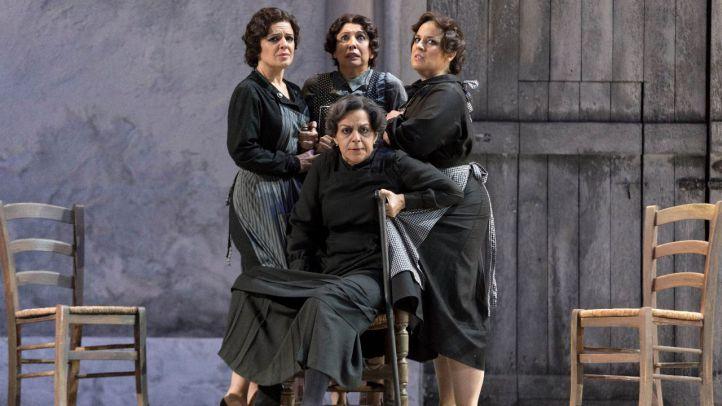 Del 10 al 20 de noviembre en el Teatro de la Zarzuela se representa la versión operística de La Casa de Bernarda Alba.