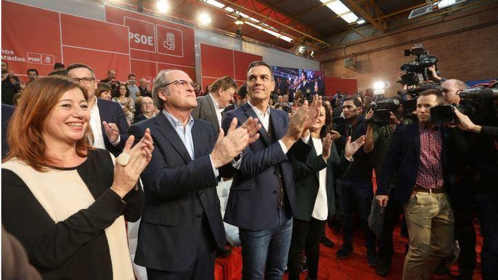 Ángel Gabilondo junto a Pedro Sánchez en el Comité Federal del PSOE en Fuenlabrada.