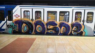 Pintadas en un tren de Metro.