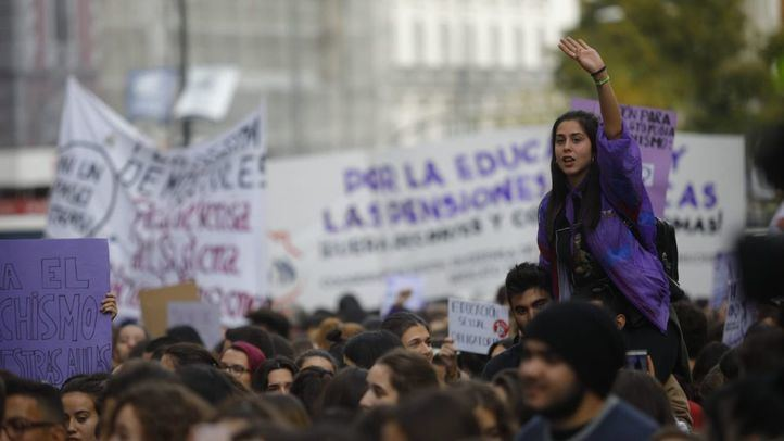 Las estudiantes marchan por una 'educación sexual inclusiva'