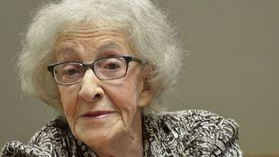 La poeta uruguaya Ida Vitale, quinta mujer galardonada