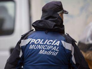 El Ayuntamiento firma con tres sindicatos de Policía y ahonda el conflicto
