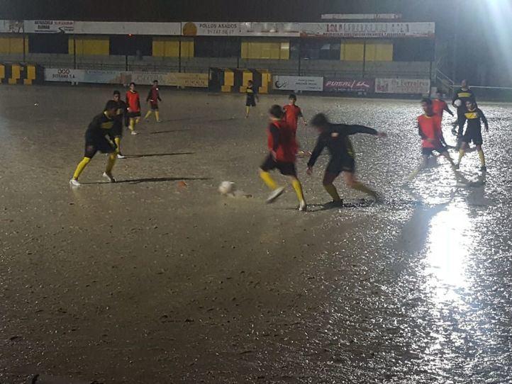 Aena y el Ayuntamiento juegan el 'partido' más largo del CD Barajas