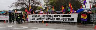 Las dos caras de la exhumación de Franco se dan cita en el Valle