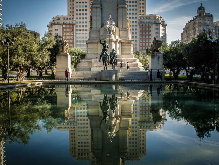 Patrimonio protege el monumento a Cervantes