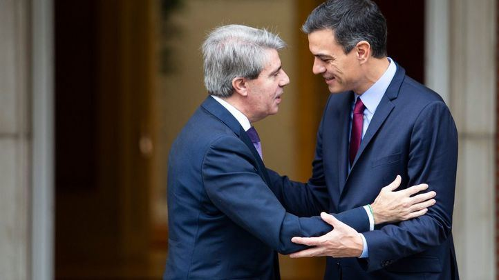 Garrido toca a la puerta de Moncloa para pedir más autonomía y 600 millones