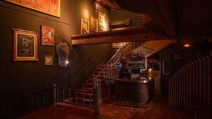 Cabaret y drag queens: un club parisino ilumina la noche en Chamberí