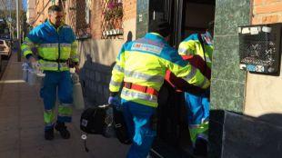 Una UVI móvil trasladó a madre e hijo al Hospital del Henares.