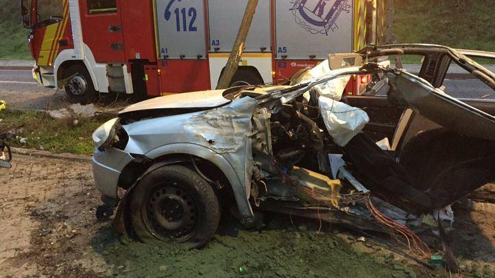 Samur, Policía Municipal y Bomberos han acudido al lugar del accidente.