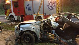 Fallece un hombre en Villaverde al chocar su coche contra un árbol