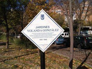 Arrancada la placa en recuerdo a la líder estudiantil Yolanda González