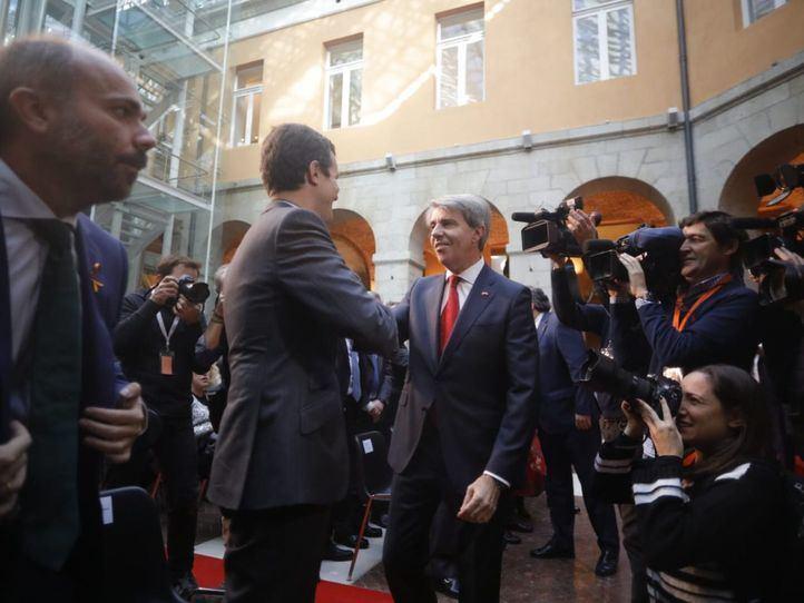 La presencia de Casado dispara los rumores sobre la candidatura de Garrido