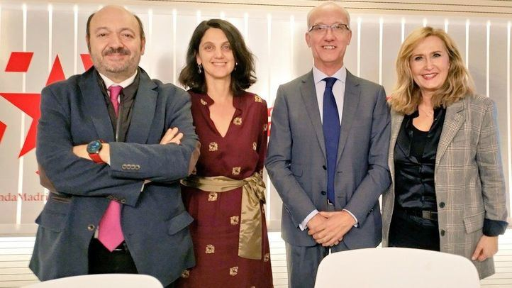 Pilar Sánchez Acera y José Manuel Berzal junto a Nieves Herrero y Constantino Mediavilla.
